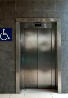 Behindertenaufzug für Gebäude innen und außen