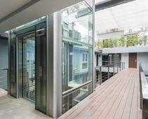 Der Glasaufzug für moderne Gebäude