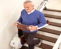 Der Treppenlift Stairwalker für aktives Treppensteigen